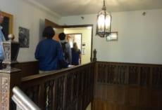 Gracemontの内部。とても学校施設とは思えない雰囲気です。