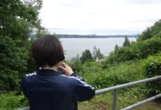 ピザ焼きの窯のあるところからは,ワシントン湖を見ることができます。